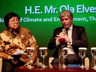 The Minister of Environment and Forests of Indonesia, Siti Nurbaya Bakar and the Minister of Climate and Environment of Norway, Ola Elvestuen (photo: Snorre Tønset)