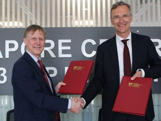 Dr Pierre C Sames, Senior Vice President and Director of DNV GL Group Technology and Research, and Professor Tim White, Associate Vice President (Infrastructure & Programmes), NTU Singapore at the signing ceremony