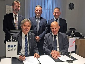Johann Pleininger (at left), executive board member responsible for Upstream in OMV, and Arne Sigve Nylund, Equinor's executive vice president for Development and Production Norway, signed the MoU – back row: Knut Egil Mauseth (at left), SVP North Sea & Managing Director OMV Norway; Asbjørn Løve, vice president Partner operated fields DPN; and Torger Rød, senior vice president project development TPD