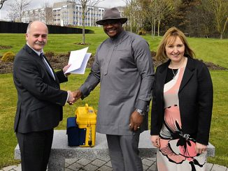 At left, Jeremy Edwards, Business Manager at Viper Innovations together with Nikki Mann, Service Manager met with Royal Niger's Managing Director, Anthony Okolo, centre (photo: Viper Innovations)