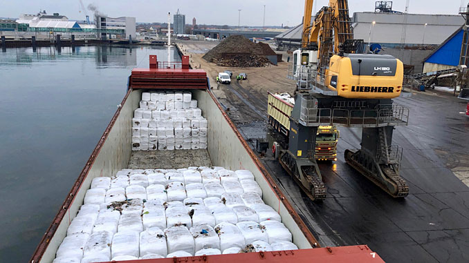 First ever waste fuels export from Italy to the Scandinavian market – 2,369 tonnes of RDF from Naples