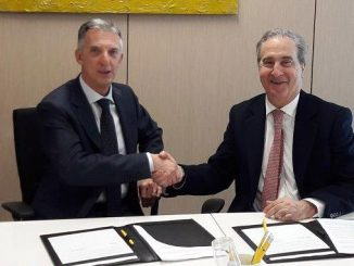 From left, Giuseppe Ricci, Eni Chief Refining & Marketing Officer, and Antonello Ciotti, President of COREPLA