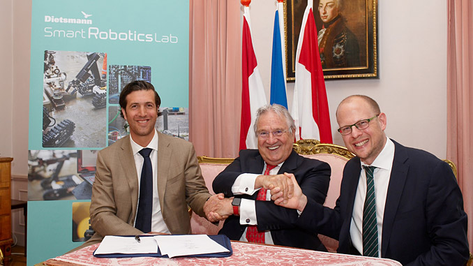 Dietsmann CEO Peter Kütemann (centre) following the signing of the investment agreement with Taurob directors Matthias Biegl (left) and Lukas Silberbauer
