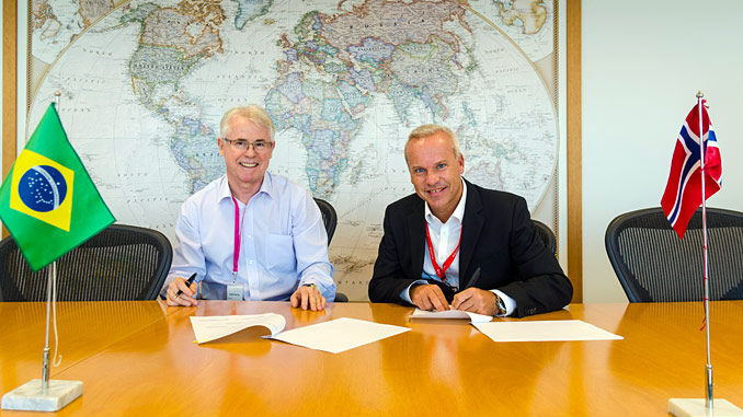 CEO Renato Bertani (left), Barra Energia, and Anders Opedal, Equinor Brazil country manager, agreement signing in July 2018
