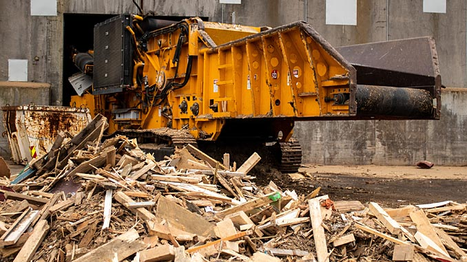 Geminor has won a contract for the handling of waste wood from RIG