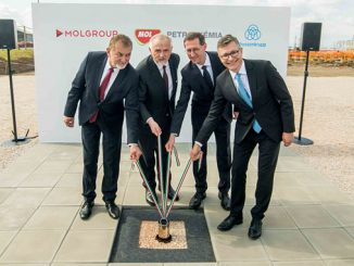 From left, Ferenc Koncz, Member of the Hungarian Parliament; Zsolt Hernádi, Chairman and C-CEO of MOL Group; Mihály Varga, Hungarian Finance Minister; and Dr Sami Pelkonen, CEO Chemical & Process Technologies at thyssenkrupp Industrial Solutions