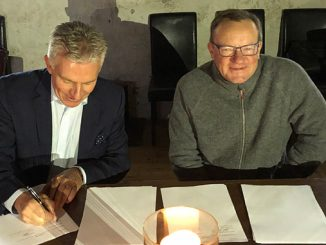 Jaakko Eskola, President and CEO of Wärtsilä, and Ilkka Herlin, Chairman of the Board of Q Power signed a cooperation agreement to accelerate the development and commercialisation of renewable fuels on 24 September