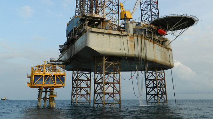 Sea Swift platform being installed by a jack-up rig