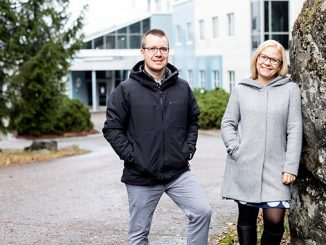 Kiilto's Customer Service Manager, Lauri Mäkinen, and Product Development Manager, Maija Kulla-Pelonen