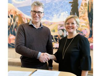 Kongsberg Maritime's Bjørn Jalving and the Norwegian Society for Sea Rescue's Rikke Lind signed the cooperation agreement on 6 December 2019